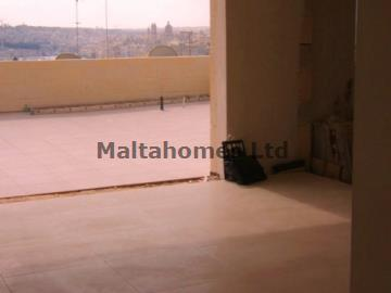 Penthouse in Valletta image 3