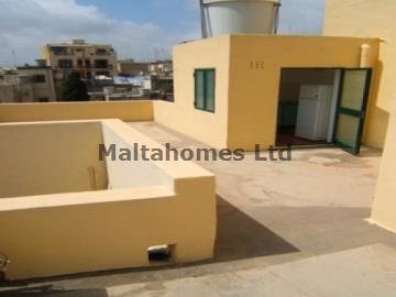 Town House in Gzira image 11